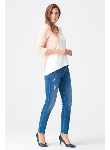 NaraMaxx V Yaka Parça Detaylı Bluz Beyaz